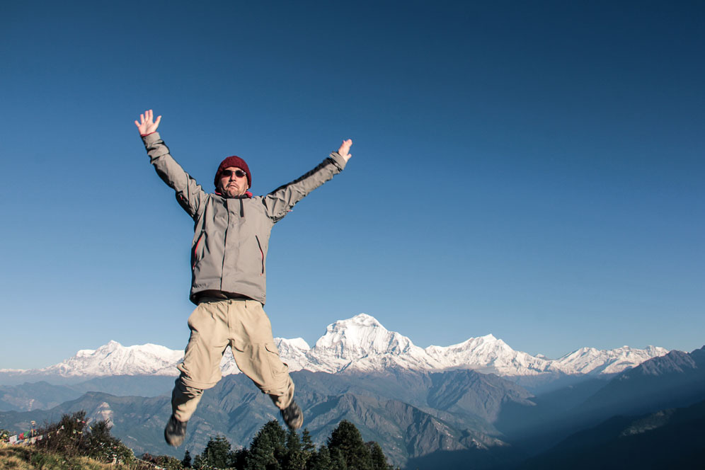 saut de joie sur poon-Hill, Népal