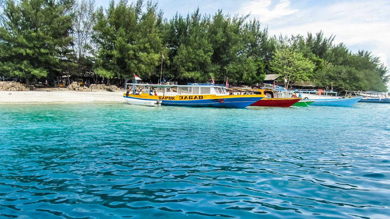 Des bateaux au petit port de Gili Trawangan