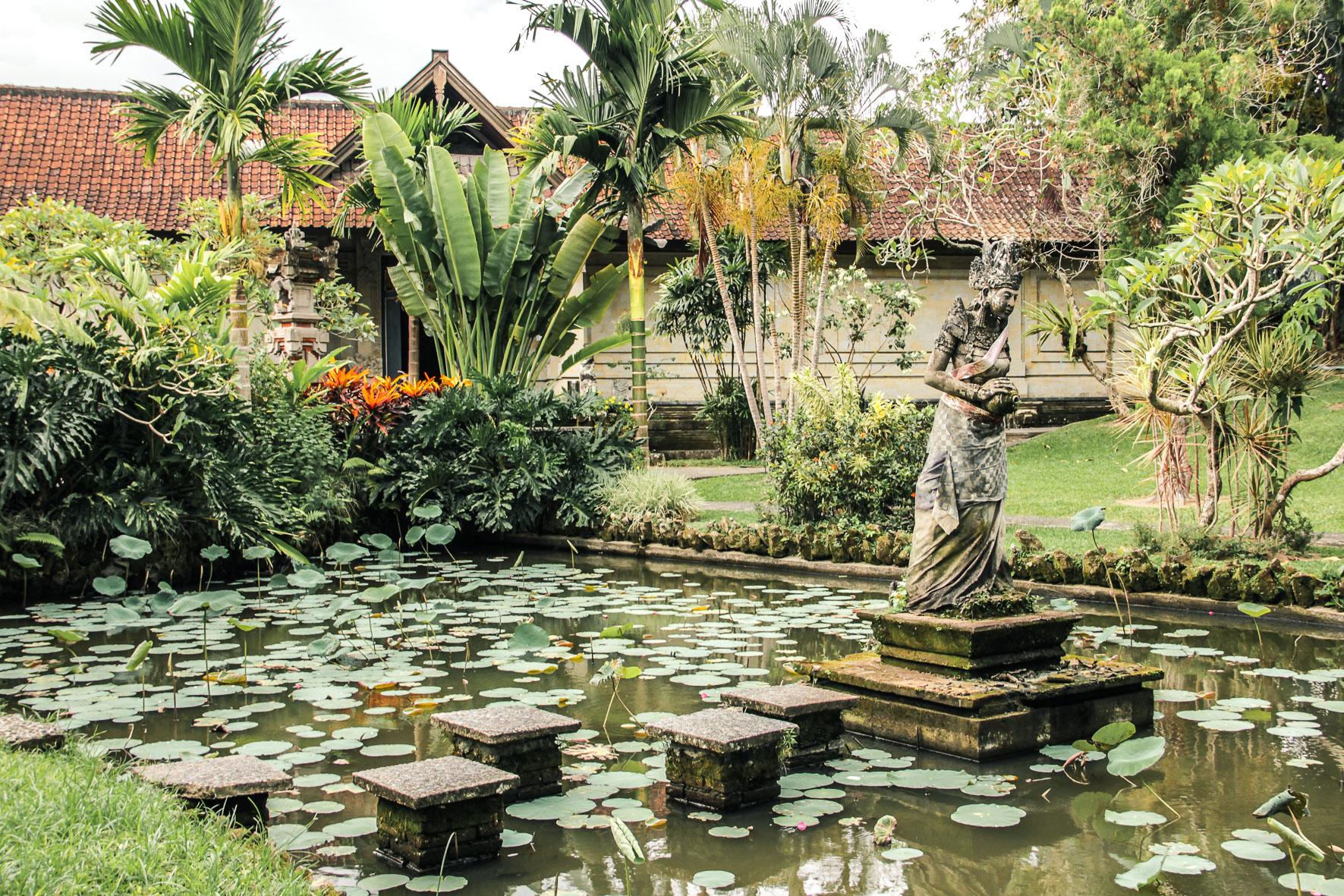 Jardin du musée Puri Lukisan à Ubud