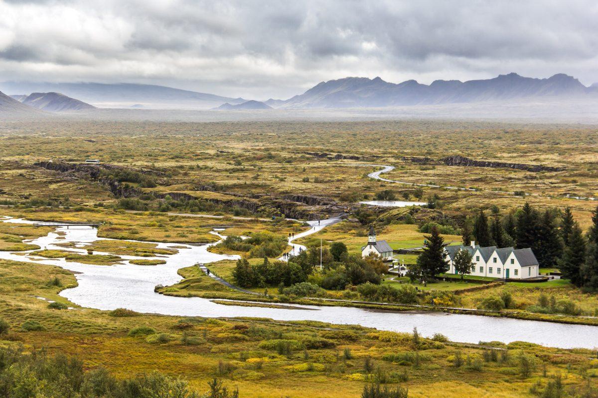Parc National de Þingvellir avec la maison d'été du premier ministre islandais