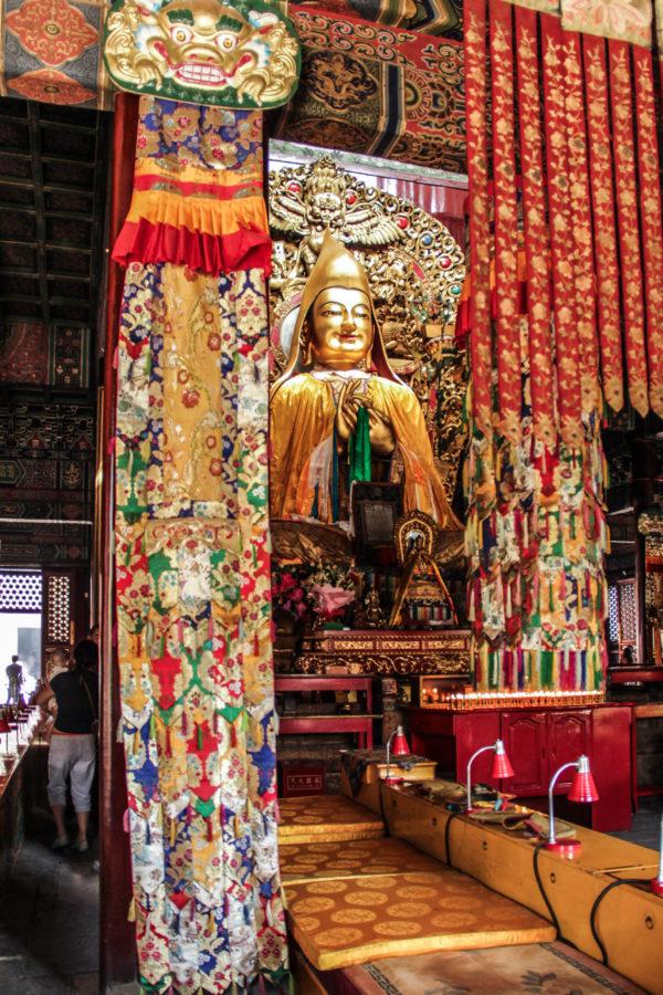 Bouddha l'intérieur du Lama Temple