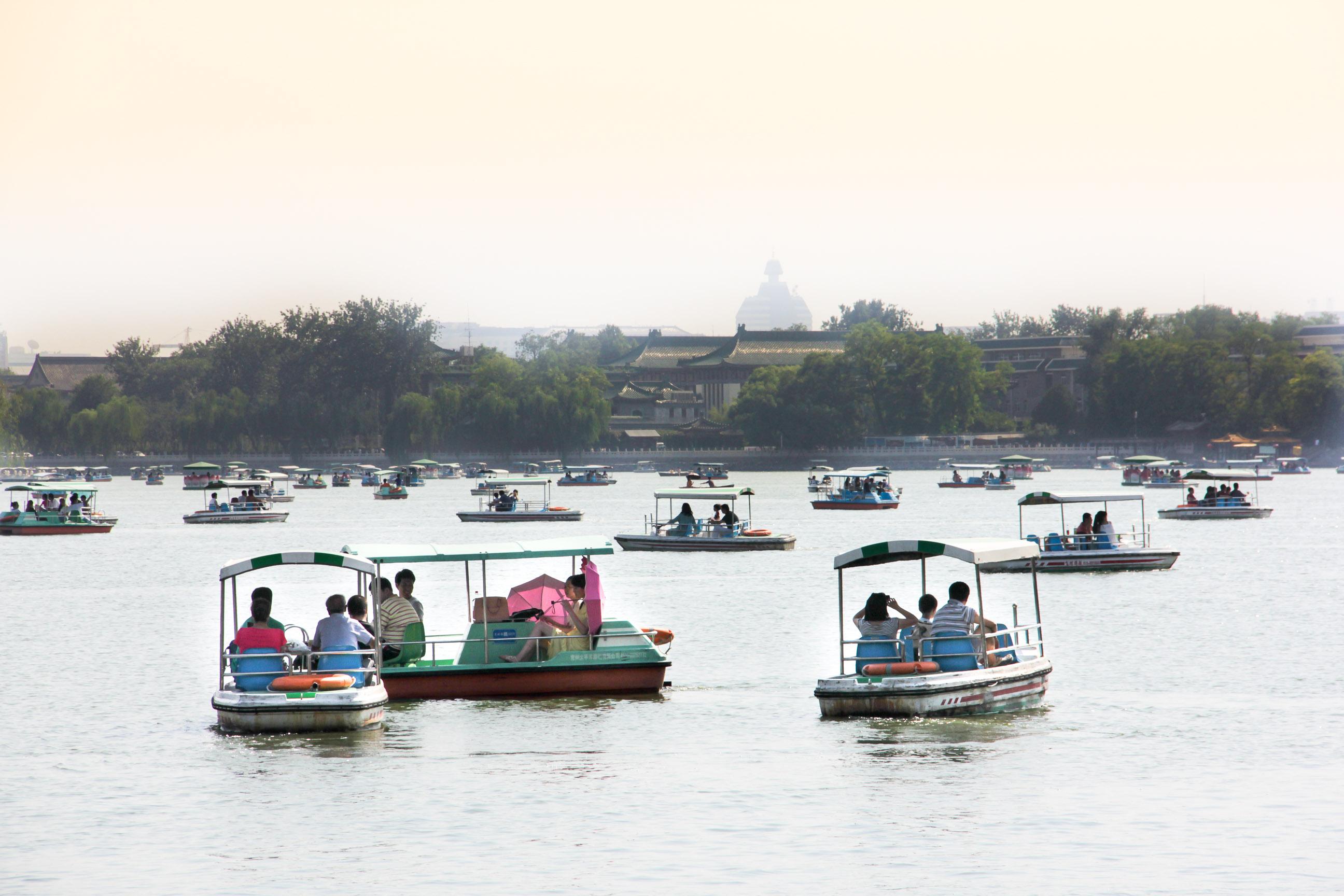 Bateaux sur le lac du Parc Beihai