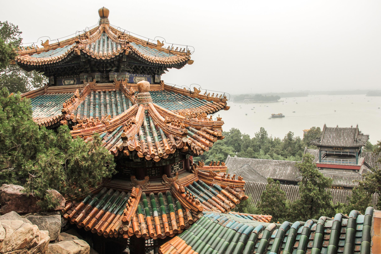 Vu sur le lac au Palais d'été à Pékin
