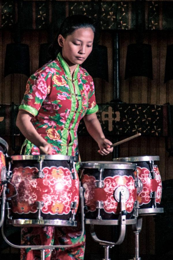Musicienne lors d'un concert à la Tour du Tambour à Xi'an