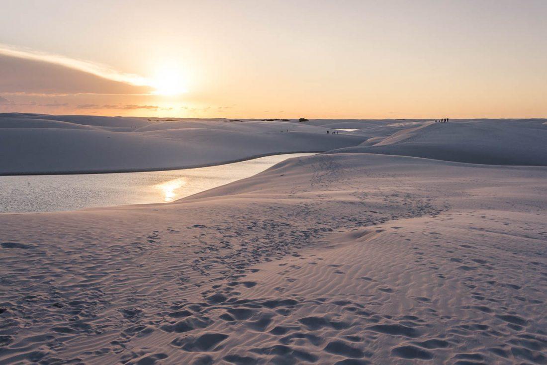 Coucher de soleil dans les dunes des Lençois Maranhenses - Route des Sensations
