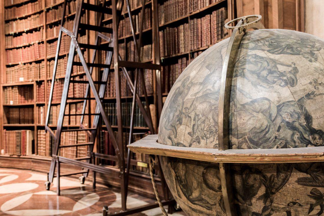 Ancien globe vénitien dans la Bibliothèque Nationale d'Autriche à Vienne.