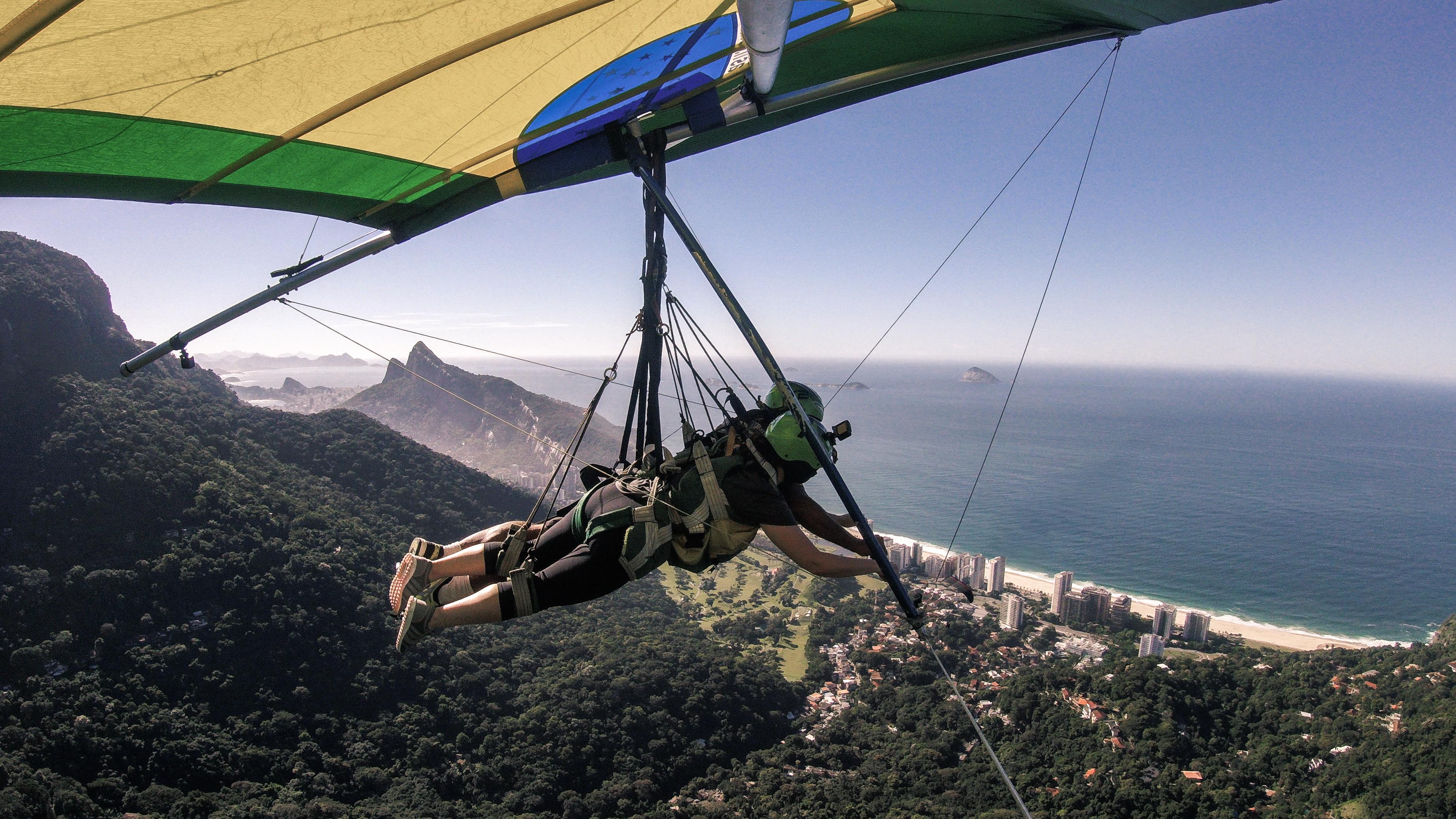 Voler en deltaplane à Rio de Janeiro.
