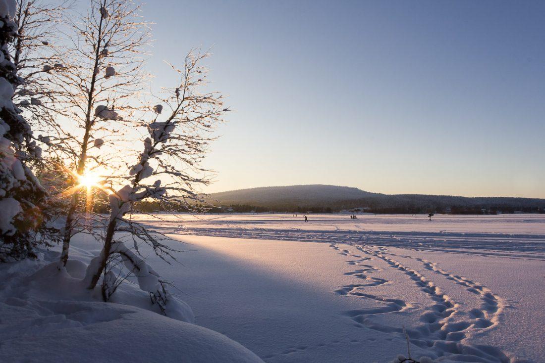 Un coucher de soleil en Laponie finlandaise.